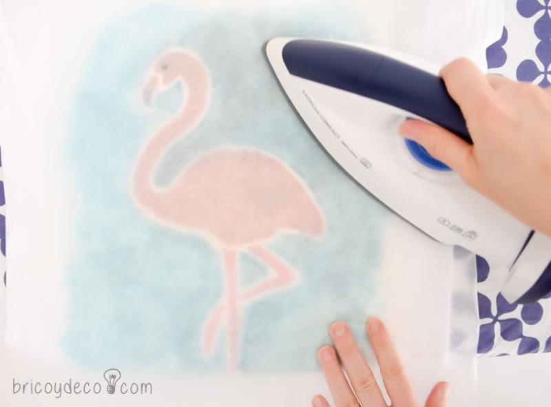 planchar para fijar la pintura Markal Paintstick sobre la tela